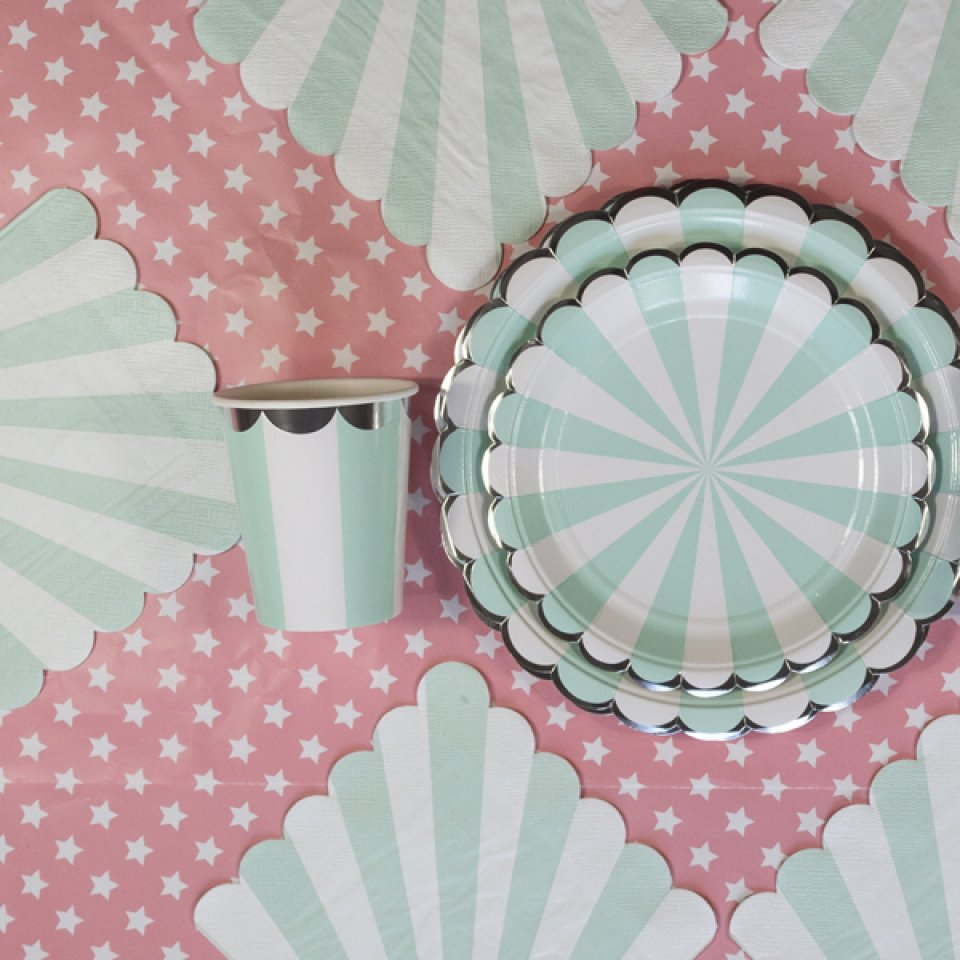 AQUA BABY SHOWER BOX 12/14 people