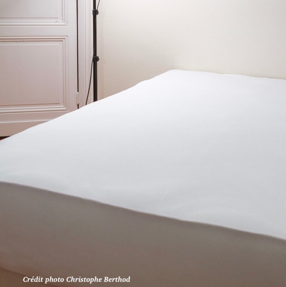Stretch fitted sheets - from 140cm to 160 cm